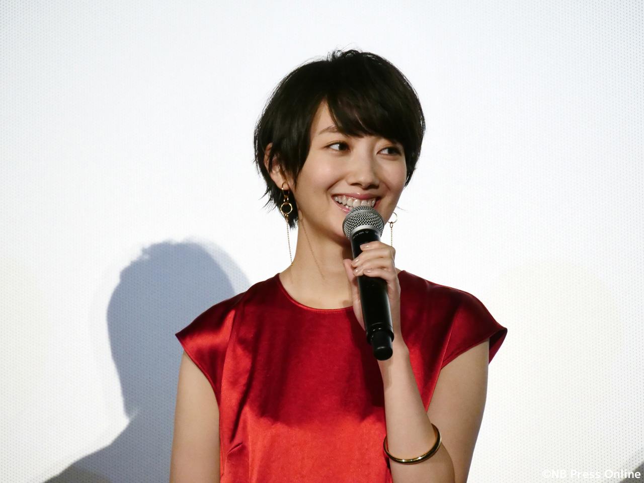波瑠 - 映画『オズランド 笑顔の魔法おしえます。』