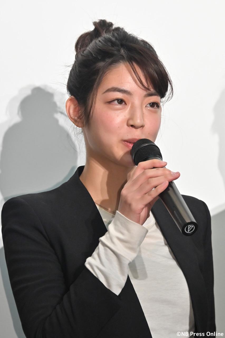 秋月三佳(女中・まち子 役)