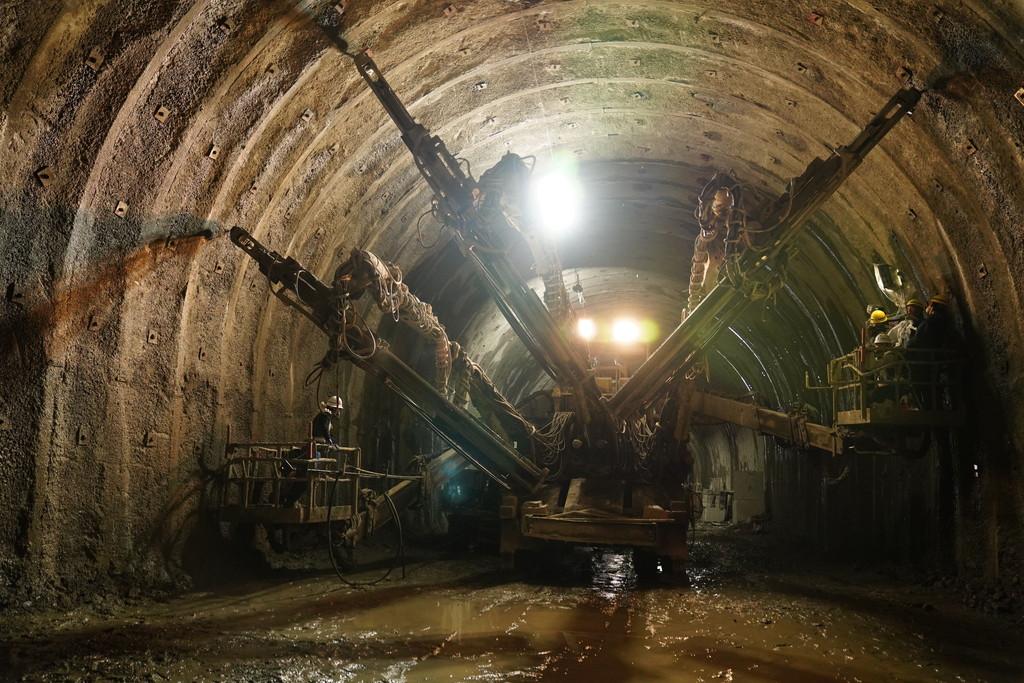 広瀬1号トンネル、ドリルジャンボ