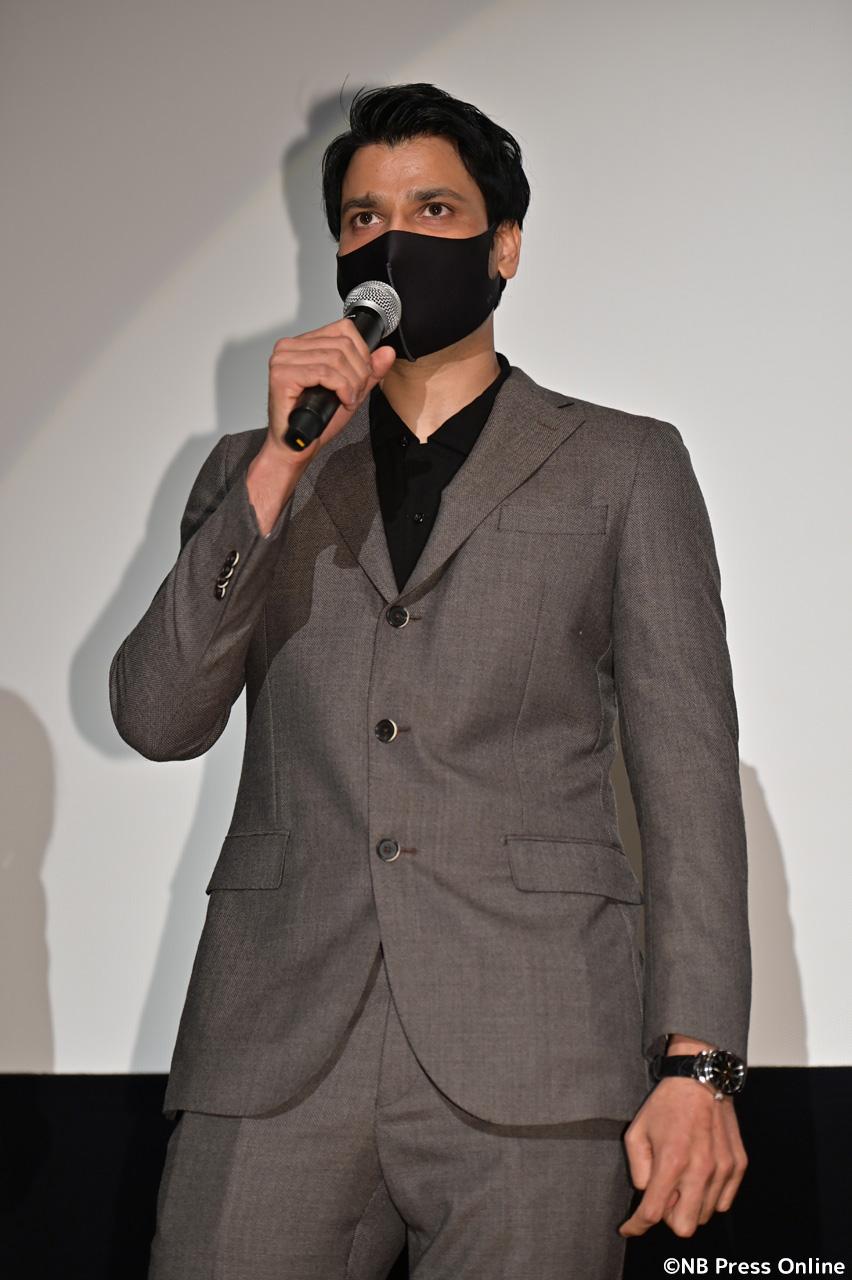 アンシュル・チョウハン監督